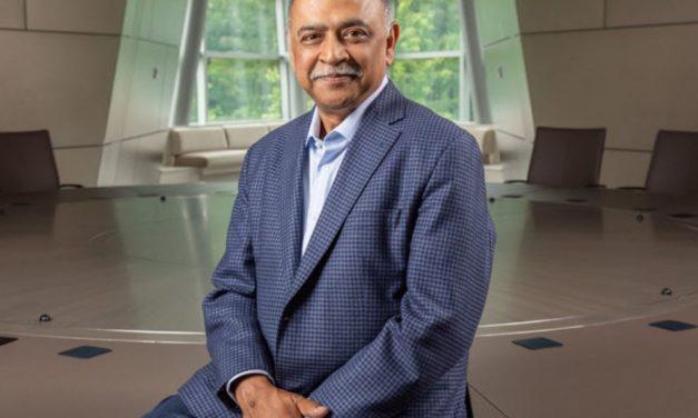 IBM se réorganise en séparant le cloud hybride des services